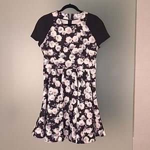 Elle flirty scuba floral dress